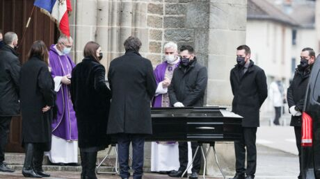 Obsèques de Robert Hossein: ses proches réunis dans l'intimité pour un dernier adieu