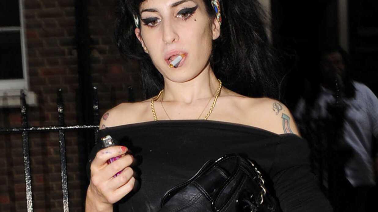 Amy Winehouse entre drogue et alcool