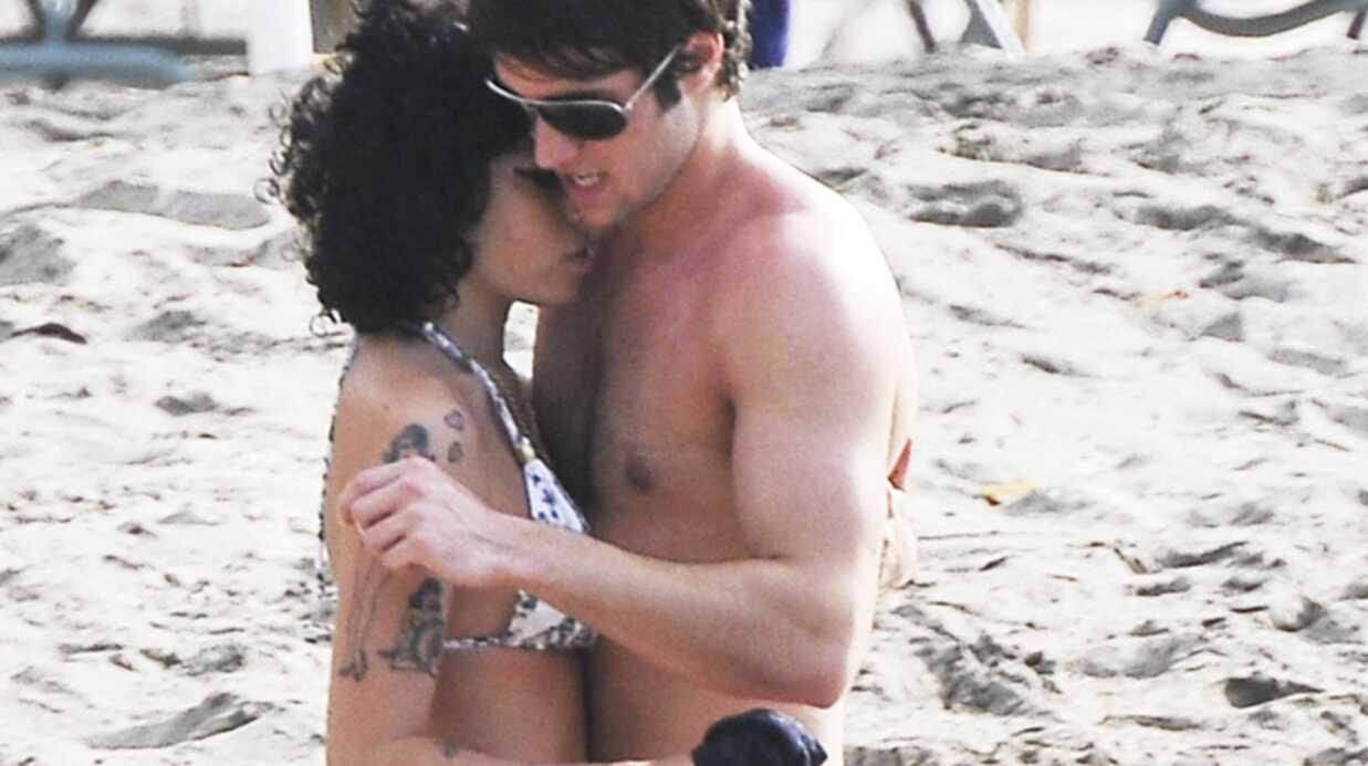 PHOTOS Amy Winehouse très tendre avec un joli garçon