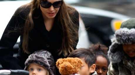 PHOTOS Angelina Jolie sort avec ses quatre enfants