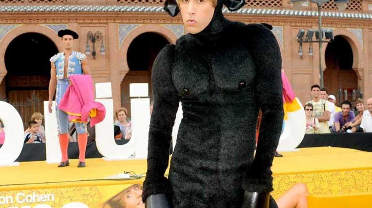 LOOK Sacha Baron Cohen en Bruno taureau à Madrid