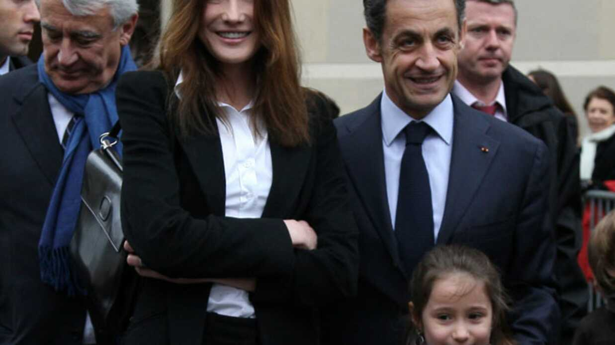 PHOTOS Nicolas Sarkozy et Carla Bruni unis pour voter