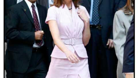 LOOK – Carla Bruni, une tenue rose pâle pour le Mexique