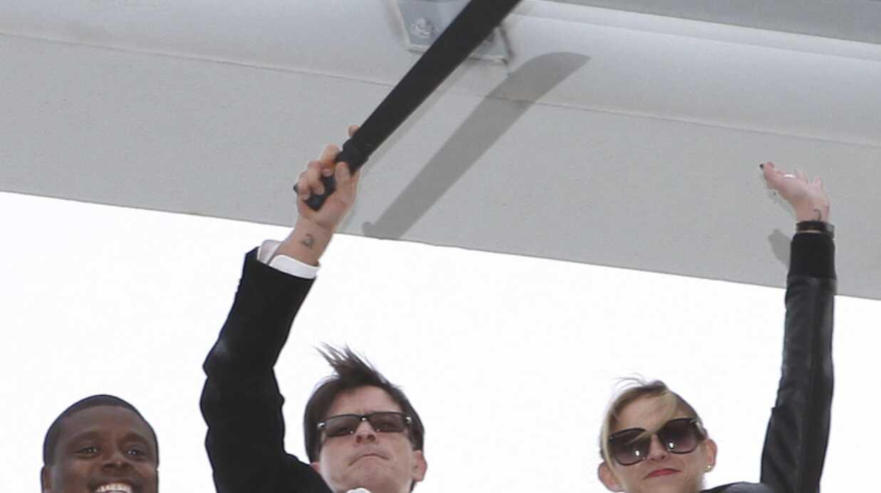 PHOTOS Charlie Sheen révèle le secret de sa forme