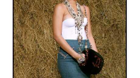PHOTOS Rihanna sage et distinguée au défilé Chanel