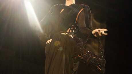 VIDEO Dita Von Teese: un effeuillage pour Jean-Paul Gaultier