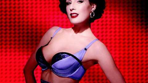 PHOTOS Dita Von Teese sublime et sexy pour Wonderbra