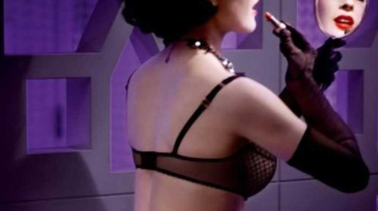 PHOTOS Dita Von Teese sublime et sexy pour Wonderbra