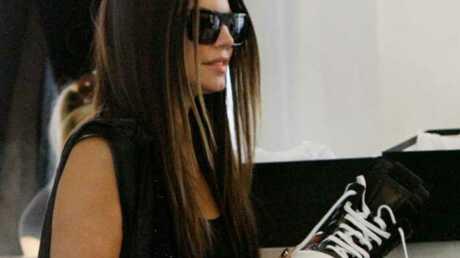 PHOTOS: Fergie fait du shopping à Paris