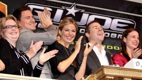 PHOTOS Le casting de G.I Joe ouvre la bourse de New York
