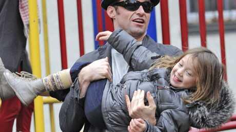 photos-hugh-jackman-au-parc-avec-sa-fille