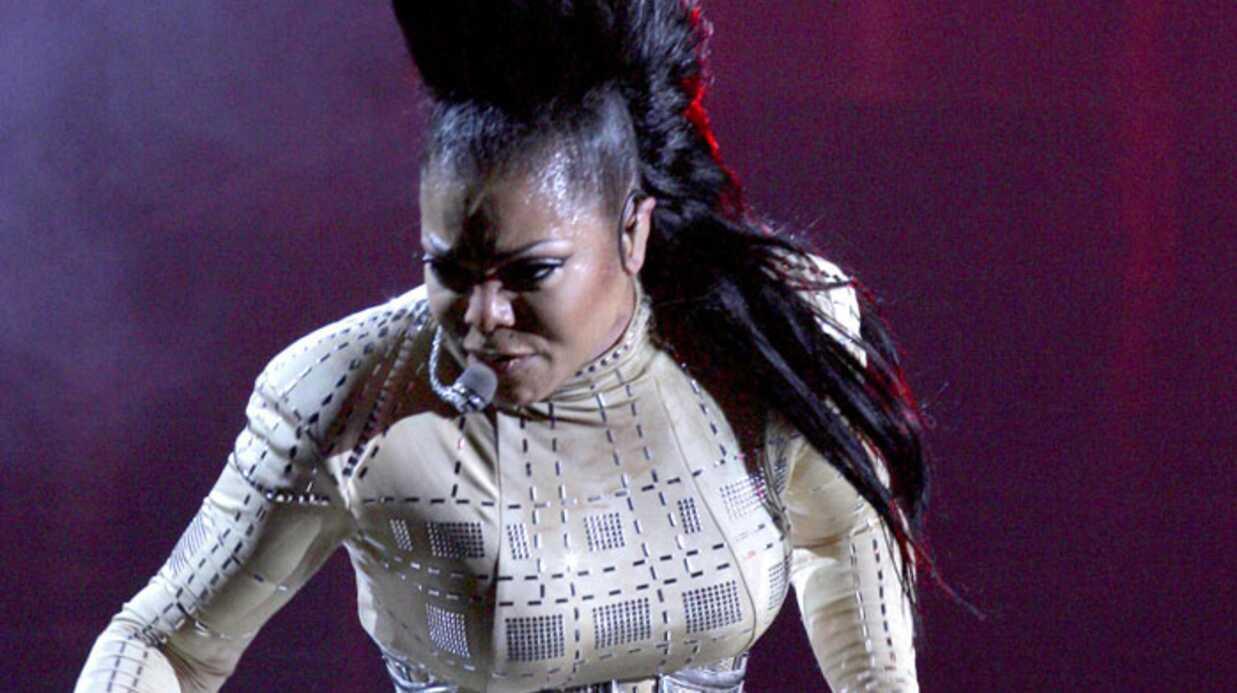 Janet Jackson pas très sexy sur scène
