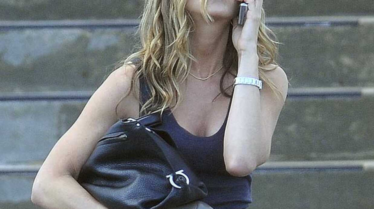 PHOTOS Jennifer Aniston relax et pieds nus dans le New Jersey