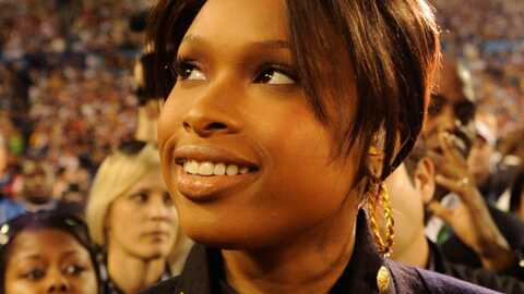 PHOTOS Jennifer Hudson superbe au Super Bowl