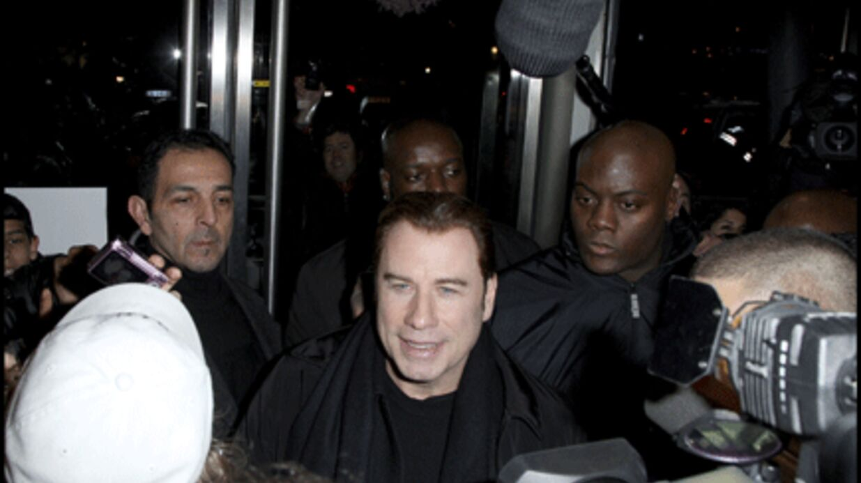 PHOTOS : John Travolta acclamé hier en Seine-Saint-Denis