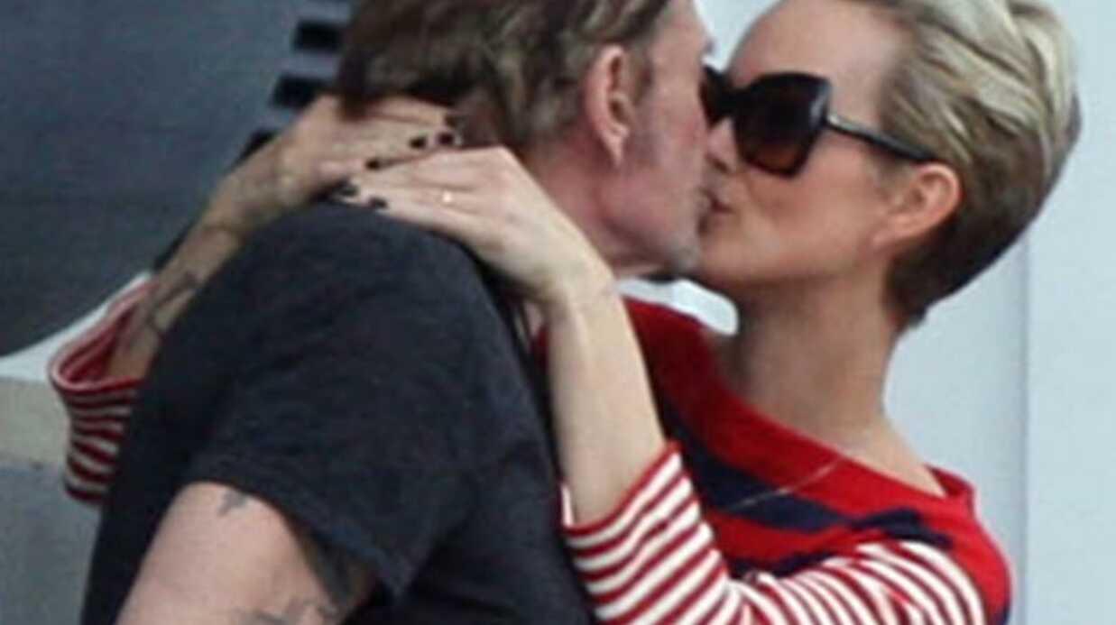 PHOTOS le baiser passionné de Johnny Hallyday et Laeticia