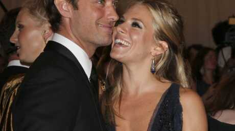 PHOTOS Jude Law et Sienna Miller officialisent leur amour