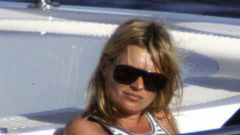 Kate Moss, toujours sexy, prend le large en Sardaigne