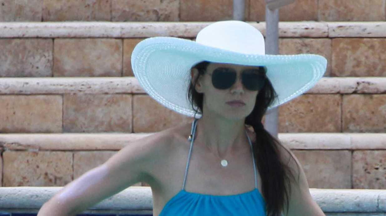 PHOTOS Katie Holmes et Suri Cruise à la piscine