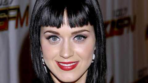 PHOTOS: Katy Perry, très sexy en mère Noël