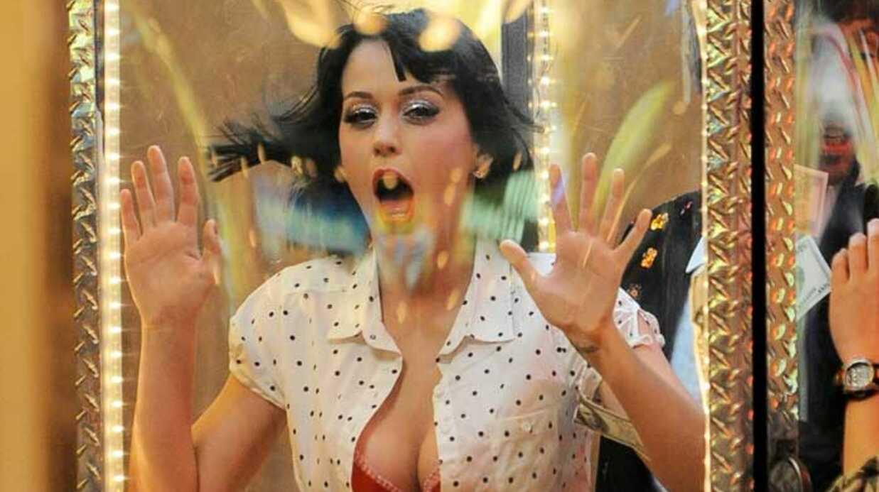 PHOTOS  Katy Perry s'éclate sur le tournage de son clip