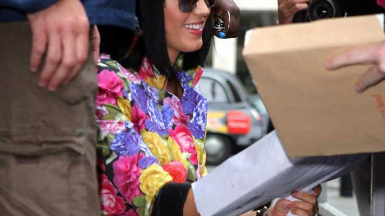 LOOK Katy Perry est la nouvelle Cindy Lauper