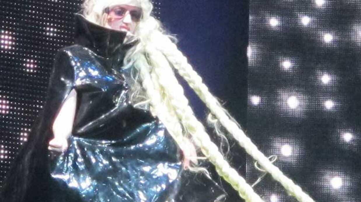 LOOK Lady Gaga: Découvrez ses étranges costumes de scène