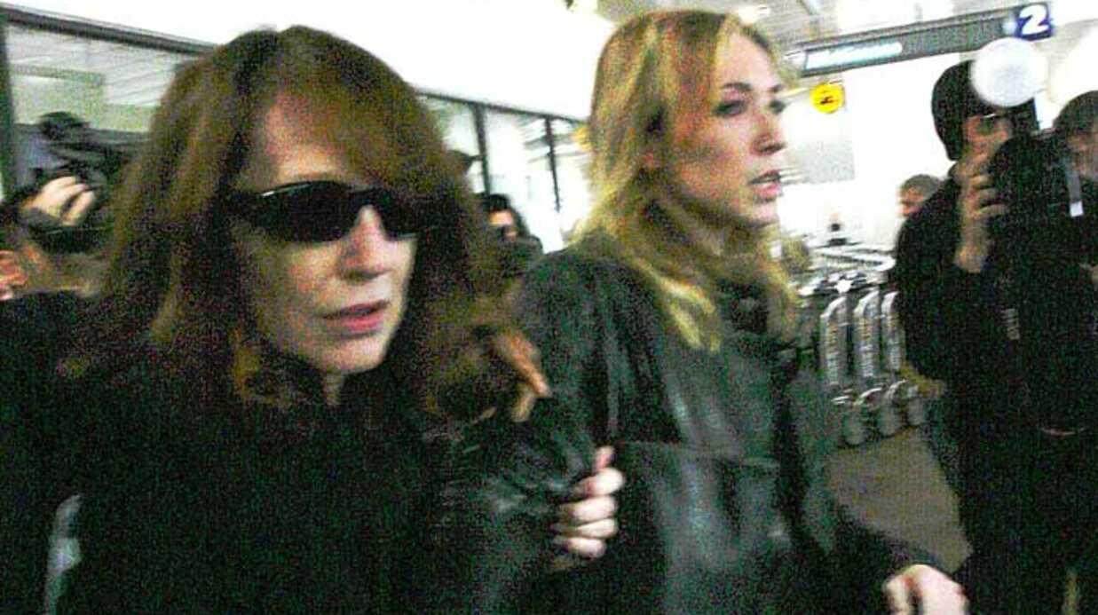 PHOTOS Nathalie Baye et Laura Smet arrivent à Los Angeles