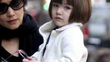 Suri, une petite fille modèle