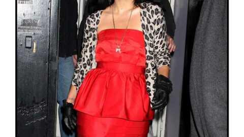 LOOK  Lily Allen entre fantaisie et glamour