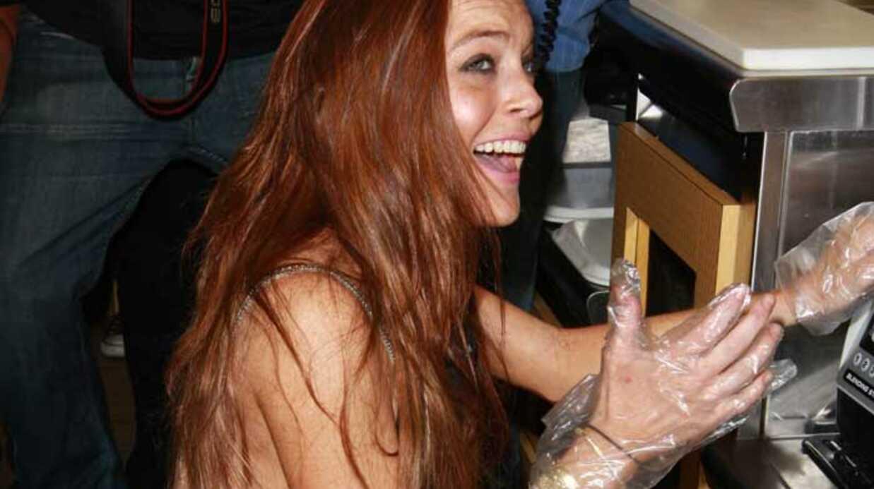 PHOTOS Lindsay Lohan lance son milkshake