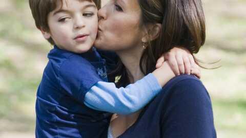 Mariska Hargitay de New York Unité Spéciale s'amuse avec son fils