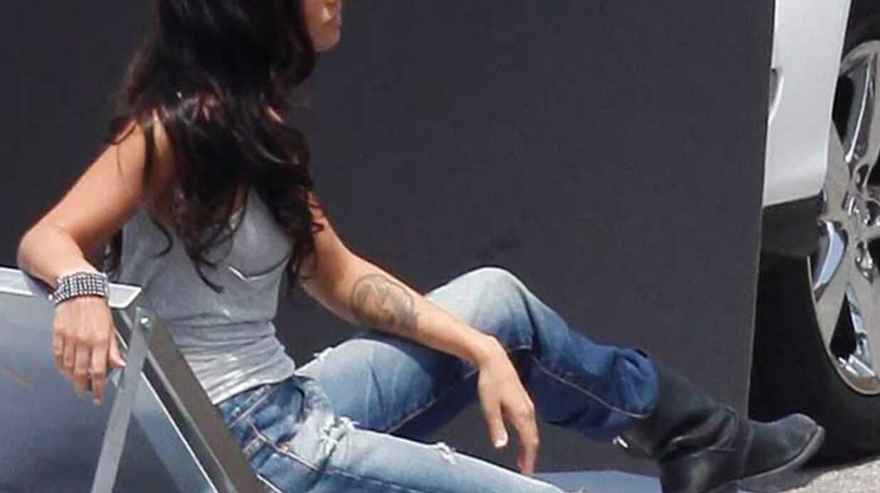 PHOTOS Megan Fox très sexy quand elle prend la pose