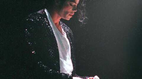 PHOTOS – Michael Jackson vend 2 000 objets aux enchères