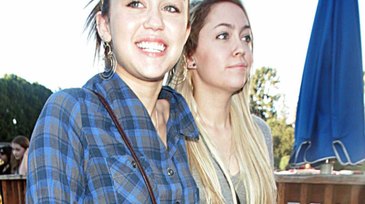 PHOTOS Miley Cyrus en séance shopping avec sa sœur