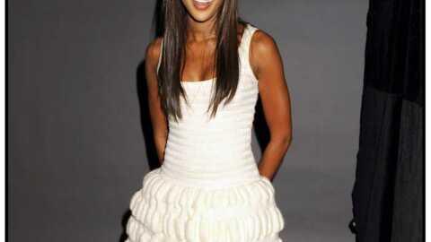 LOOK Naomi Campbell craque deux fois pour la même robe