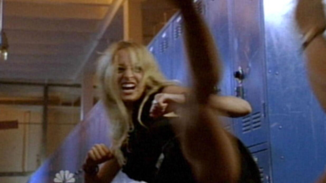 Photos de Nicole Richie en sang et sueur sur le tournage de Chuck