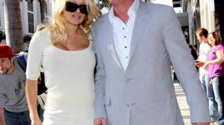LOOK Pamela Anderson peut aussi être élégante