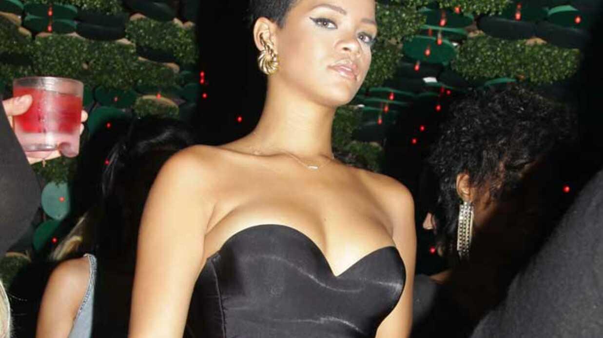 PHOTOS Rihanna s'éclate en boîte entre copines