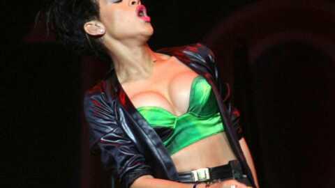 PHOTOS  Rihanna déchaînée sur scène