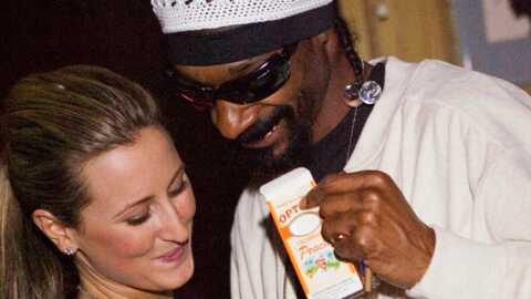Snoop Dogg entouré de filles sexy en Australie
