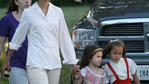 PHOTOS Suri Cruise s'éclate avec une petite fille