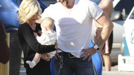 PHOTOS Tori Spelling au parc avec son mari et ses enfants