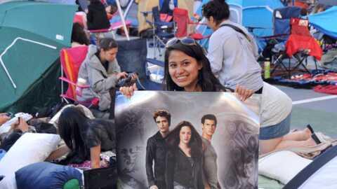PHOTO Twilight Hésitation: les fans campent à L.A. depuis dimanche