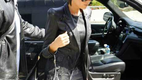 PHOTOS Victoria Beckham : un look strict en cuir
