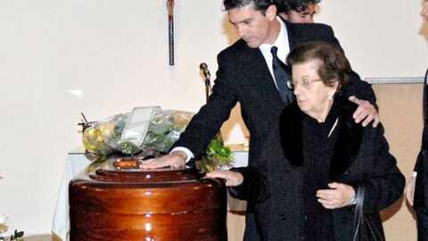 Antonio Banderas Il pleure son «padre»