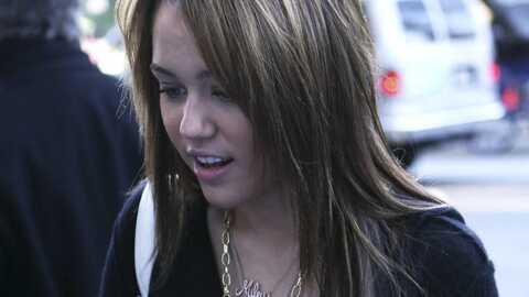 Miley Cyrus porte un collier à son nom