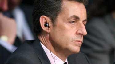 Brad Pitt dépensier, Sarkozy menacé…