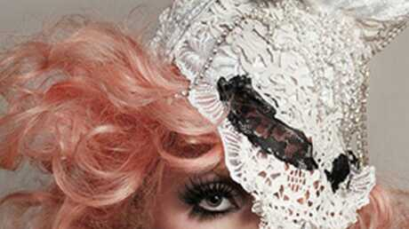 Lady Gaga étonne avec The Edge of Glory