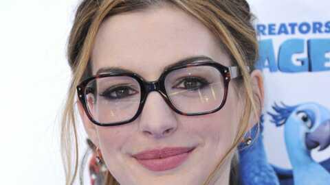 Look: Anne Hathaway se Nana Mouskourise